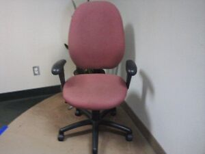 Steelcase fully ergonomic Pink office chair (Malaga 3140-3)