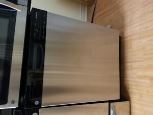 """Ge stainless steel 24""""under counter dishwasher 2016 made"""