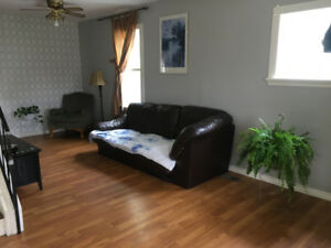 2 ROOMS FOR RENT FEMALES ONLY STUDENT OR FULL TIME WORKER