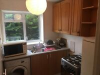 Newly refurbished 1 bedroom flat to rent in brompton close, Hounslow TW4 5HP