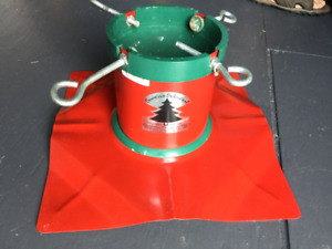 SOLID MEDAL CHRISTMAS TREE STAND