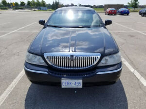 2011 Lincoln Town Car Signature L Sedan