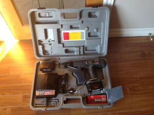 Senco Duraspin DS202-14.4V Auto-feed Collated Drywall Screwdrive Windsor Region Ontario image 2