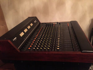Yamaha PM-1000 console with 16-channel Jensen direct out mods