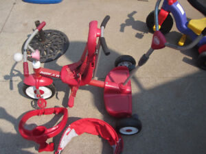 Radio Flyer Ride and Stand Strolln' Trike