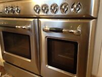 Electric double oven with 5 gas hobs