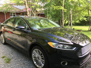 2014 Ford Fusion AWD - 32,683 km, Fully Loaded, Immaculate!