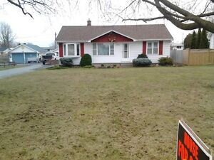 3 bed bungalow  all on 1 floor in  wallaceburg