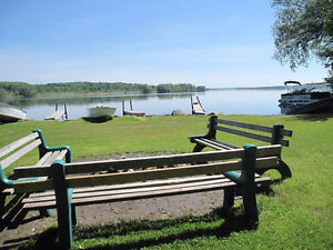 Waterfront cottages near Campbellford