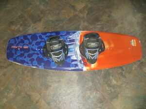 O'Brien Myth 126 Wakeboard with bindings
