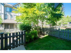 $2375 Beautiful 4 Bed / 4 Bath Townhome in Langley Willoughby He