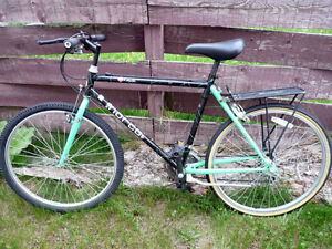 NORCO Adult Unisex BIKE Green Black Good Condition