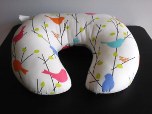 Infant Nursing (breast feeding) pillow.; Excellet Condition!