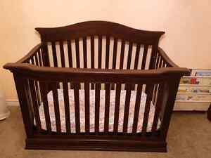 Baby cache 4 in one crib and dresser