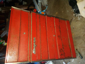 Older 2 part  26inch snap on tool box PRICE DROP