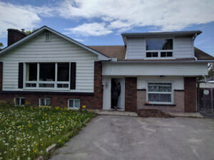 Sublet from May to August/QUEEN'S & SLC STUDENTS