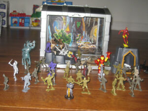 Figurines de guerrier avec coffre de rangement inclus