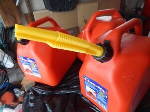 Self-Venting FUEL Containers, Brand NEW
