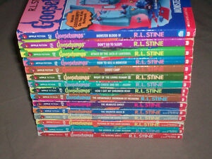 "HUGE LOT OF 43 ORIGINAL ""GOOSEBUMPS"" BOOKS - ISSUE#1 R.L. STINE"