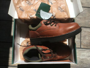 Florsheim safety shoes brand new