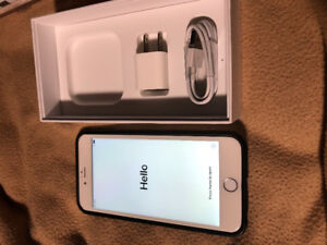 UNLOCKED IPhone 6 Plus 64gb White/Silver w/extras