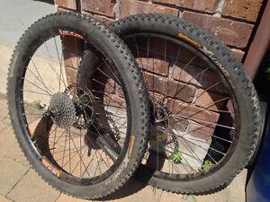 """2 x roues 26"""" avec pneu freeride, DH ou cross crountry"""
