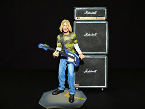 Sculpture Kurt Cobain et Marshall stack..