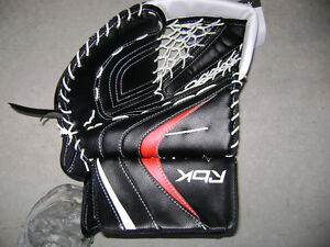 brand new pro series RBK catcher w tags for right hand