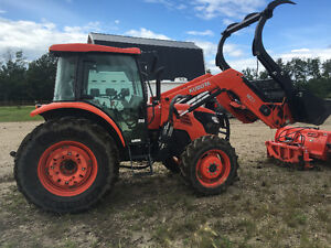 Kubota  8560 2015 tractor with attachments