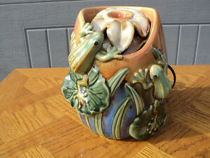 "NICE SIZED FROG FOUNTAIN 8"" tall X 6"" wide TESTED & WORKS GREAT!"