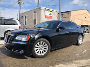 2012 CHRYSLER 300 HAS JUST 91145 KMS MINT CONDITION CAR !
