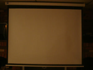 "80"" retractable projection screen. $60"