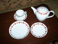 53 pieces of Ukrainian embroidery pattern Meito china dishes