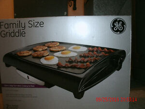 GE Grill - used once still in box $30. London Ontario image 3