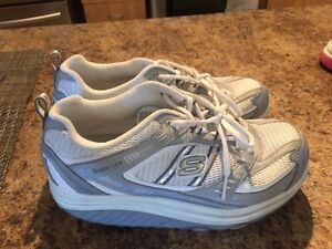Women's brand-new running shoes size 7 West Island Greater Montréal image 2
