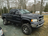 2003 Dodge Ram 2500 Lariat w/ 8 inch lift and 35' tires