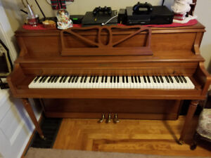 Free apartment sized piano. In excellent cosmetic condition