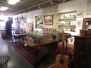 BUILDING SOLD EVERYTHING MUST GO ANTIQUES COLLECTIBLES ETC