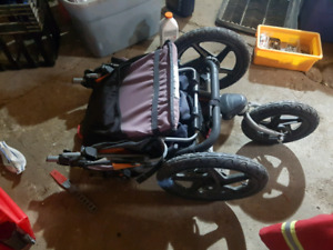 B.O.B active stroller with carseat attachment