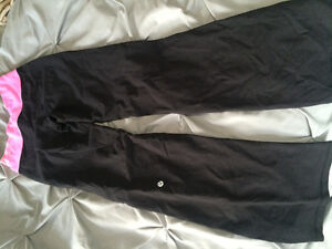 BARELY USED LULULEMON CLOTHING Kitchener / Waterloo Kitchener Area image 4