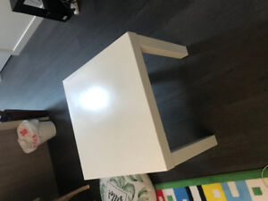 Furnitures for sale (Tables, floor lamp, chairs, armchair)