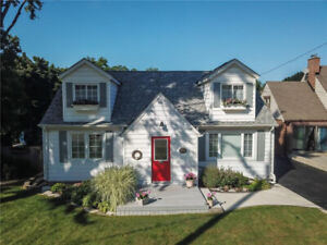 CHARMING HOME W/ SCENIC VIEWS IN GRIMSBY, 5 BED + 2 BATHS