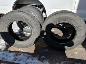 Two new tires(180km /3days on truck F150)