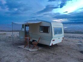3 berth vintage Sprite caravan Full service and damp survey