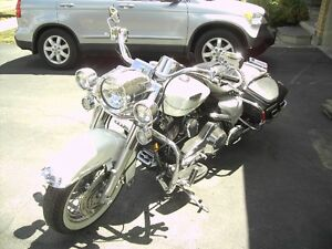 Beautiful Pearl White 2002 Harley Davidson Road King Classic Stratford Kitchener Area image 7