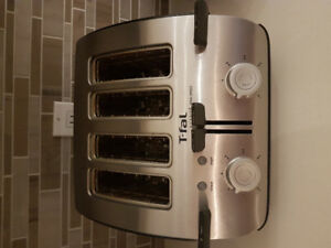 4 Slice Toaster/ Grille pain 4 tranches
