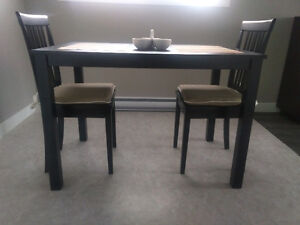 "Dinette table 28"" x 43"""