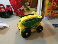 John Deere Toy Wagon