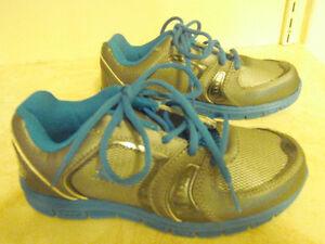 Boys' CATAPULT Shoes (Size 2)