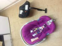 Mamas & Papas car seat and isofix base